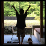 Tomoyaが結婚発表。相手(嫁)の名前と顔(画像・写真)。馴れ初めと交際期間第一子や子供は?過去の彼女は美人でかわいい?
