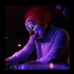 DJ LOVEの素顔(画像)と誕生日と本名。ぬいぐるみ(お面・マスク)の販売店舗と取り方。太った?
