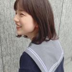 弘中綾香 セーラー服をインスタ投稿。高校生時代と現在のショートソックス