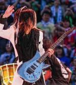 HISASHIの使用ギターとストラップ。ソロは上手いor下手?機材(エフェクター)
